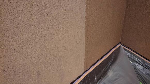 養老町、大垣市、平田町、南濃町、海津町、上石津町、輪之内町で外壁塗装工事中の外壁塗装工事専門店。養老町大場で外壁塗装工事/下塗り塗装作業中