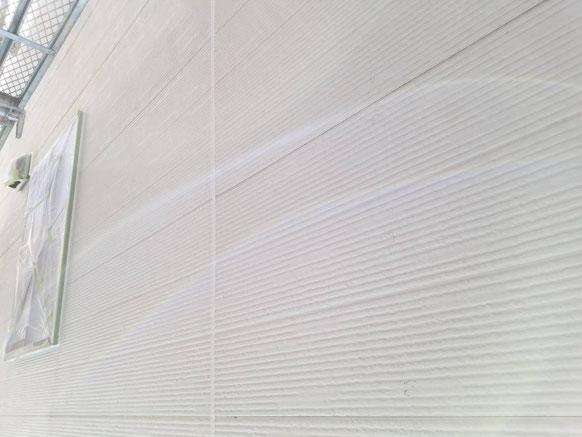 養老町、大垣市、平田町、南濃町、海津町、上石津町、輪之内町で外壁塗装工事中の外壁塗装工事専門店。多度町小山で外壁塗装工事/シーリング作業中