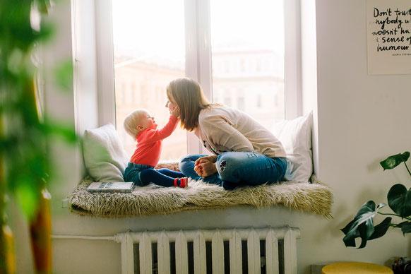 maman bébé complicité lien hypnose pour enfant