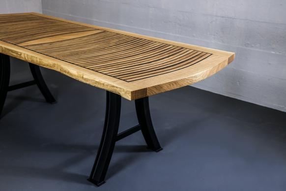Tisch, Esstisch, Fass, Dauben, handarbeit, custommade, Epoxidharz, Natur, Naturkante, Eichenholz, Eichentisch, Stahl, Tischbeine aus Stahl, massiv,