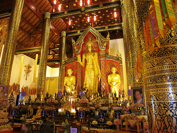Im Inneren des Tempels
