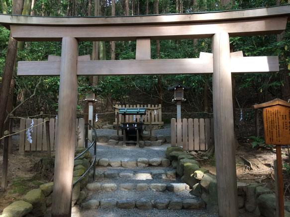 磐座神社(筆者撮影)