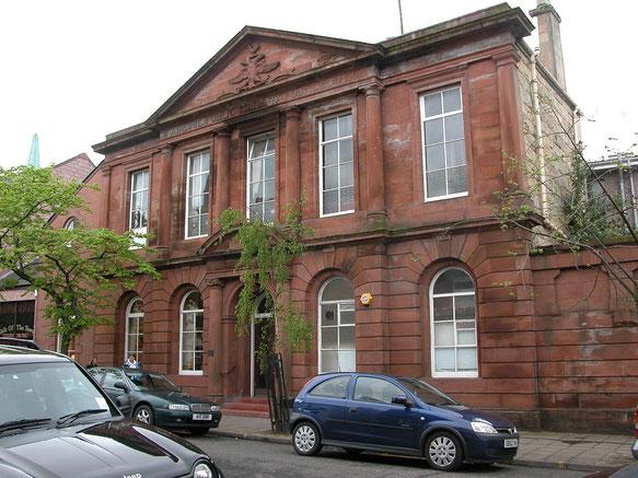 Première bibliothèque public à Airdrie, qui est une bibliothèque Carnegie.