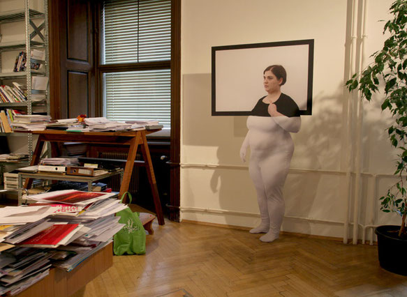 exhibition view: Stand-up, installed on wall (MDF, photo print), 210 x 85 x 40cm; Pose 1 - Marina Abramovic, photo: Teresa Novotny, (c) Veronika Merklein