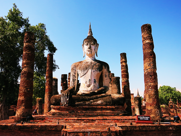 Buddha-Statue im Wat Mahathat