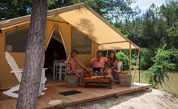 Calme, quiétude, contemplation en bord d'étang : la tente Cotton Lodge nature à vivre à 3 ou 4
