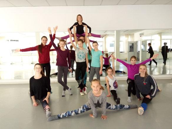 T1 beim Ballettlehrgang im Tanzraum