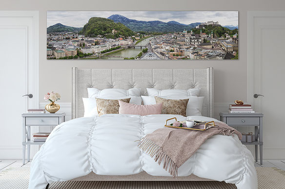 an astonishing Salzburg panorama hangs above a bed. (c) www.strobgalerie.at