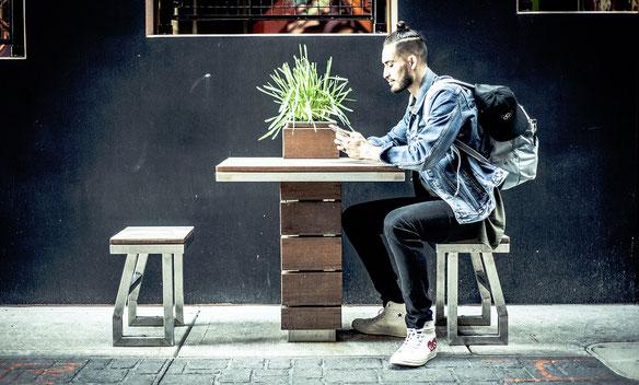 millennial technologie generatie Y digitaal influencer balans detox avocado hip chill relax koffietentje Tubantia leefstijlhotel leefstijl