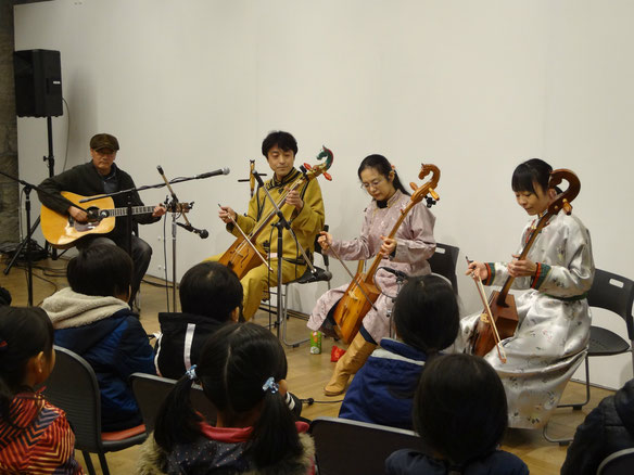 講師・嵯峨治彦と仲間たちによるミニコンサート