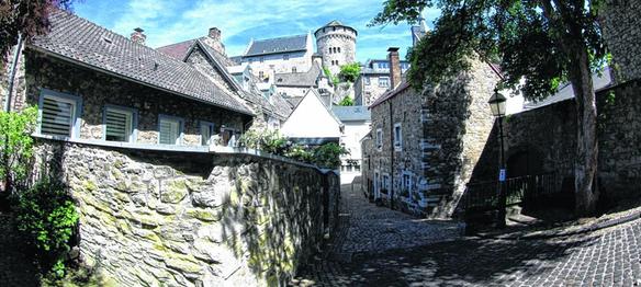 Wie sieht sich Stolberg, und wie ist die Kupferstadt am besten in ihrer Außendarstellung zu vermarkten? Industrielle Tradition, die erhaltene Altstadt europäischer Dimension und jede Menge Natur sogar mitten in der Innenstadt gehören zur Identität.
