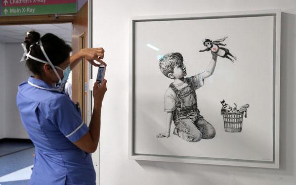 サウサンプトン総合病院に展示されている『ゲーム・チェンジャー』