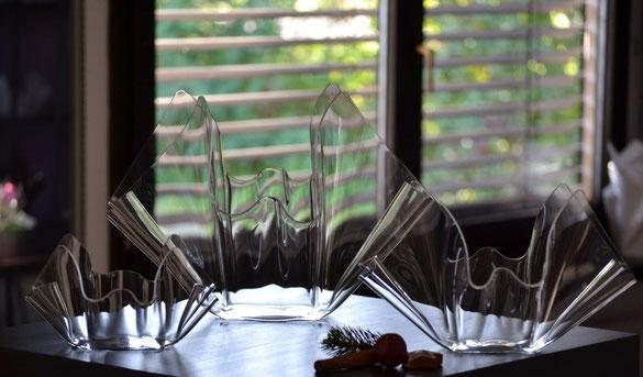 Bild: Acrylglas Schale klein ,   Acrylglas Schale groß rund   und    Acrylglas Schale mittel rund