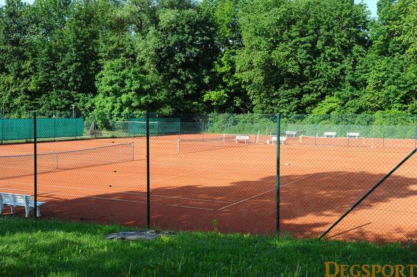 die Zeit der leeren Tennisplätze wie hier beim TC RW Deggendorf ist vorbei
