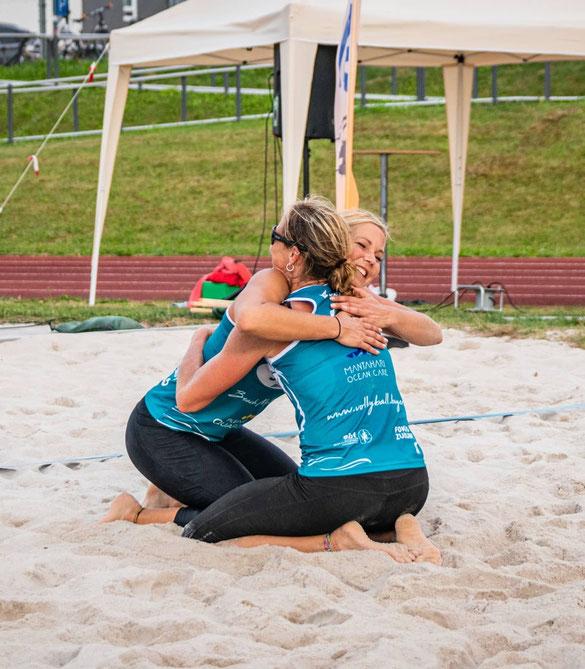 Michaela Henry (vorne) und Tiana Nicolaus gehen als Titelverteidigerinnen und Titelfavoritinnen in die Bayerische Meisterschaft 2021 (Foto: BVV).