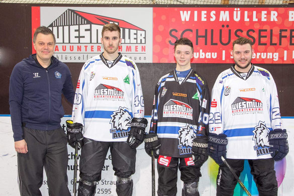 v.l. Trainer Jürgen Amann, Maximilian Aigner, Julian Bergbauer und Martin Dengler