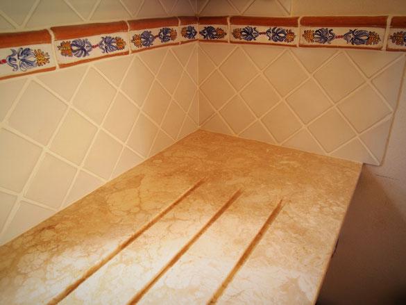 listelli ceramica per cucina e bagno