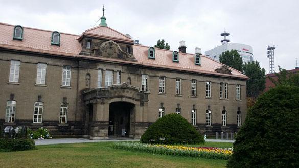 ホテルの近くにあった、古い歴史のある建物!!