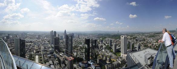 Freihand 180° Panorama, Skyline vom Maintower, Frankfurt