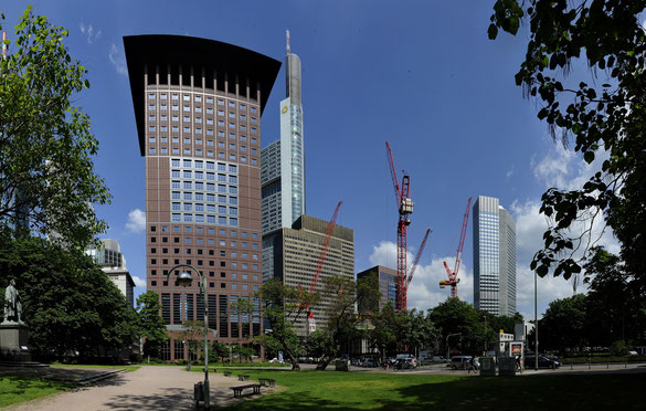 Freihand Panorama, Skyline mit Japanhaus, Frankfurt