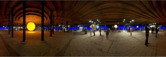 """360° Panorama, Ausstellung """"Das Auge des Himmels"""" im Gasometer, Oberhausen"""