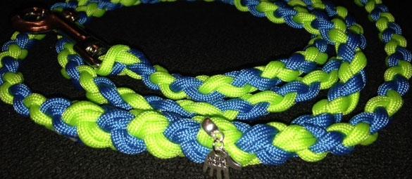 Halsband Paracord - Kreuzknoten - Farbe: skyblue/neongrün