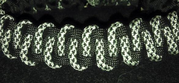 Halsband Paracord - Mäander - Farbe: schwarz/silber-diamond