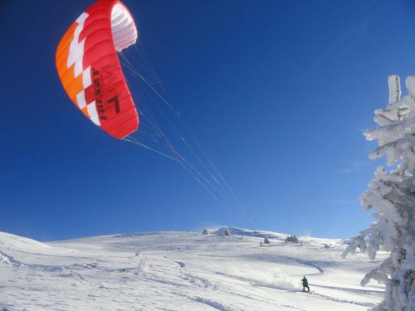 Dom Ozone Snowkites