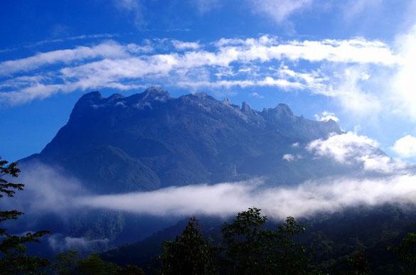キナバル山(4095m)    画像クリックでBLOGへ