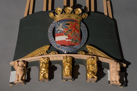 Heckspiegel des Hohenzollernmodells (Im Prozess) von Peter Davies-Garner, die derzeit beste Kopie des Hohenzollernmodells für das Technikmuseum in Berlin. Zu sehen sind Engel und Wappen, die als Rekonstruktionen von mir geschnitzt wurden.