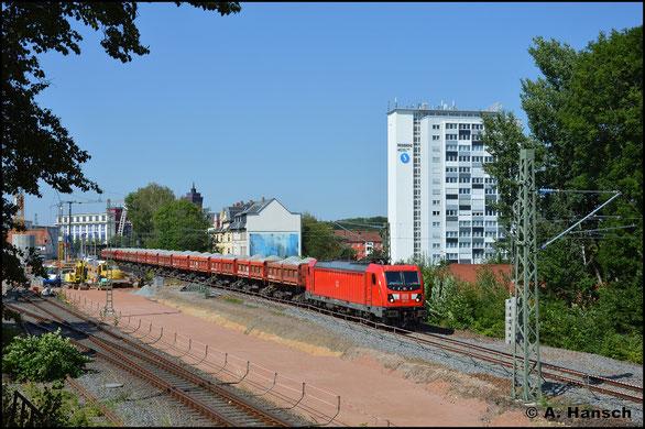 Am 23. Juli 2020 hat 187 121-4 mit ihrem Schotterzug fast ihr Ziel Chemnitz Hbf. erreicht