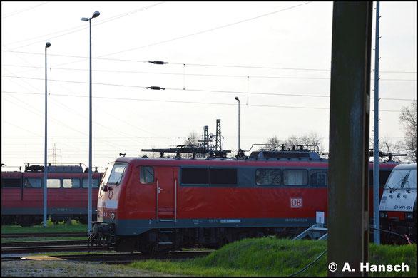 111 048-5 steht am 30. März 2019 im Gelände des AW Dessau