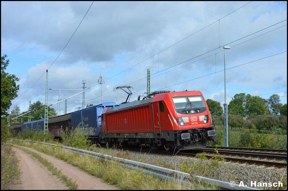 In Chemnitz-Furth begegnet mir am 28. September 2019 187 124-3 mit GA 52811 (Braunschweig - Mosel)