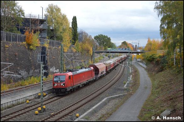 Am 26. Oktober 2020 ergänzt 187 120-1 die Nummernsammlung, als sie mir mit EZ 51716 kurz vor Chemnitz Hbf. vor die Linse fährt