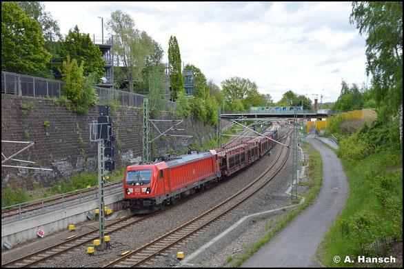 Am 25. Mai 2021 erreicht 187 189-6 mit einem Autoleerzug den Chemnitzer Hbf.