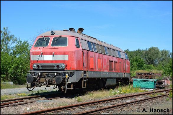 218 407-5 ist am 24. Juni 2019, ihrer Drehgestelle beraubt, in Berthelsdorf (Erzgeb.) abgestellt. Sie gehört als Ersatzteilspender der RISS