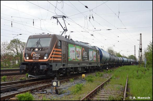 Am 14. Mai 2021 war ich für einen Fototag in Leipzig-Wiederitzsch, wo mir u.a. auch 187 537-6 von HSL mit einem Kesselwagenzug begegnete