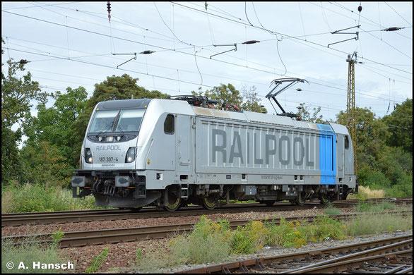 Ohne Last begegnet mir am 2. September 2020 die Railpool-Lok 187 307-4 in Leipzig-Wiederitzsch