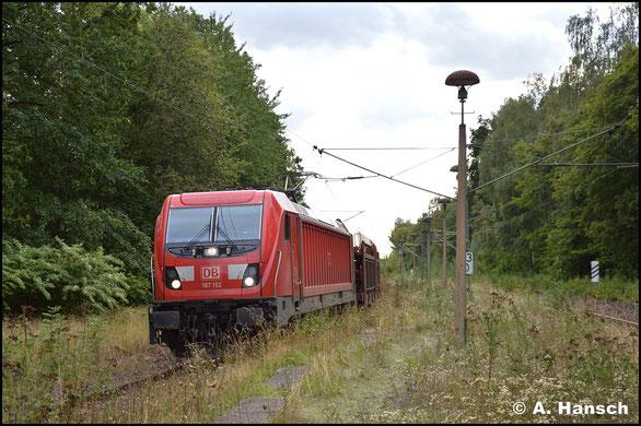 Am 18. September 2019 rollt 187 152-4 mit Autoleerzug durch den Hp Chemnitz-Mitte