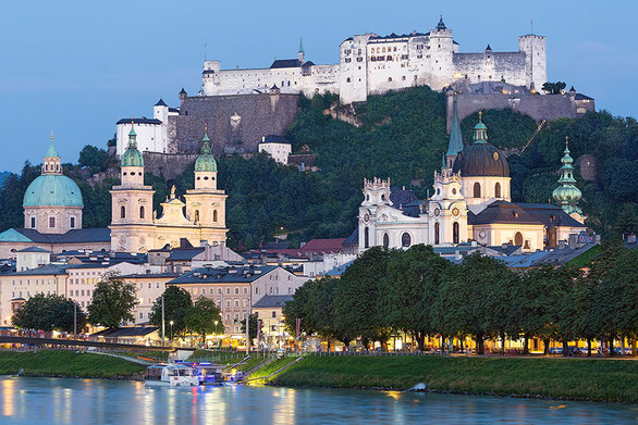 "Salzburg at the ""blue hour"" (c) www.strobgalerie.at"
