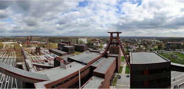 Freihand 180° Panorama über Zeche Zollverein, Essen