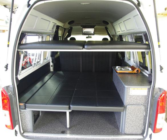 ハイエースの2段ベッドもOSPトランポキットで作れます。