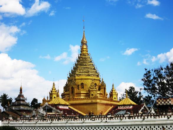 Yadana Man Aung Pagode in Nyaungshwe