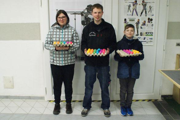 v.links n. rechts: Vanessa Platz; Philipp Quirmbach; Keano Brähmer