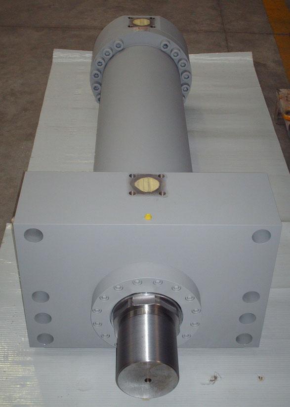 Cilindro oleodinamico, diametro 320mm, cilindro per presse ad estrusione, kompaut, marnate, varese, italia, italy,