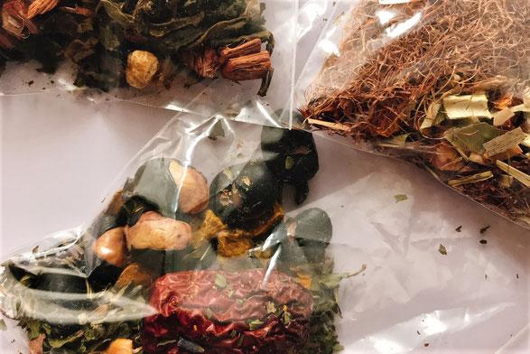 漢方養生食薬クラスで作ったブレンド茶の画像