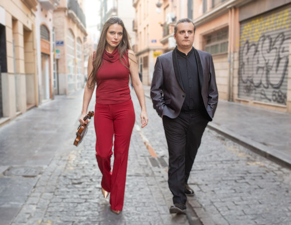 Franziska Pietsch und Josu de Solaun spielen  auf Einladung der Catoire Musikinitiative am 10. Januar 2021  im Kleinen Saal der Elbphilharmonie Hamburg