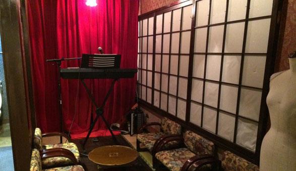 新宿CON TON TONの店内にある小スペースの和室
