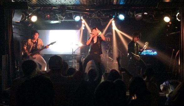千葉県 K's Dreamでライブをしているレオパード