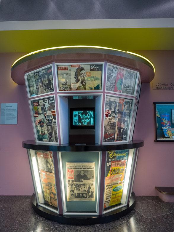 Nachdem im Westen die Pressefreiheit galt, gab es bald Zeitungen und Zeitschriften im Überfluss